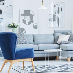 家具や小物にブルーを取り入れる