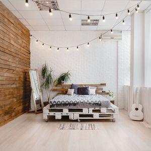 ベッドルームと照明