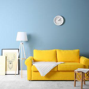 黄色いソファのある部屋